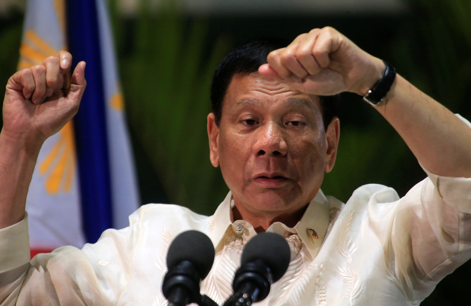 Duterte eyes appointment, not election, of barangay officials