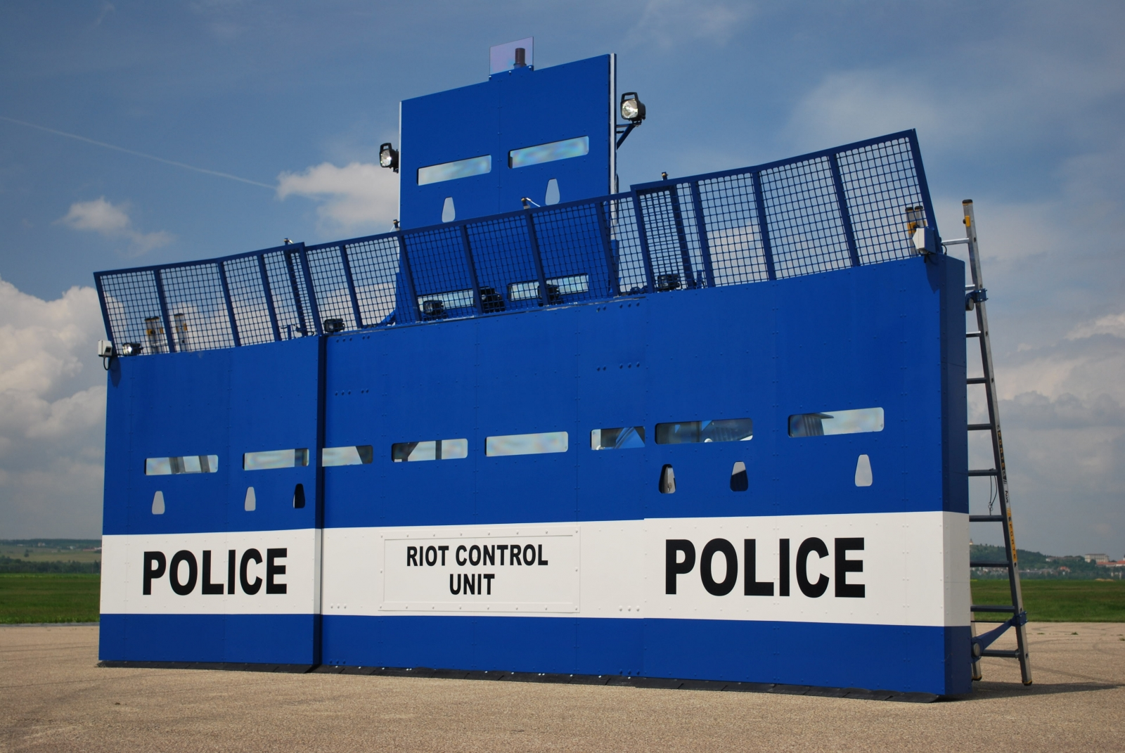 Bozena Riot anti-riot system shield