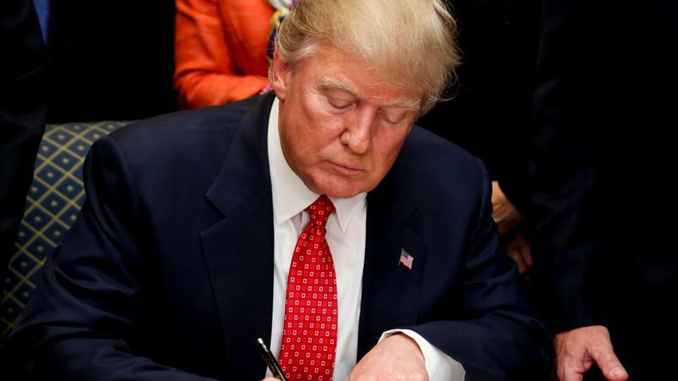 trump-to-sign-executive-order-repealing-obama-environmental-regulations