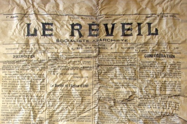 Copy of anarchist newspaper Le Reveil