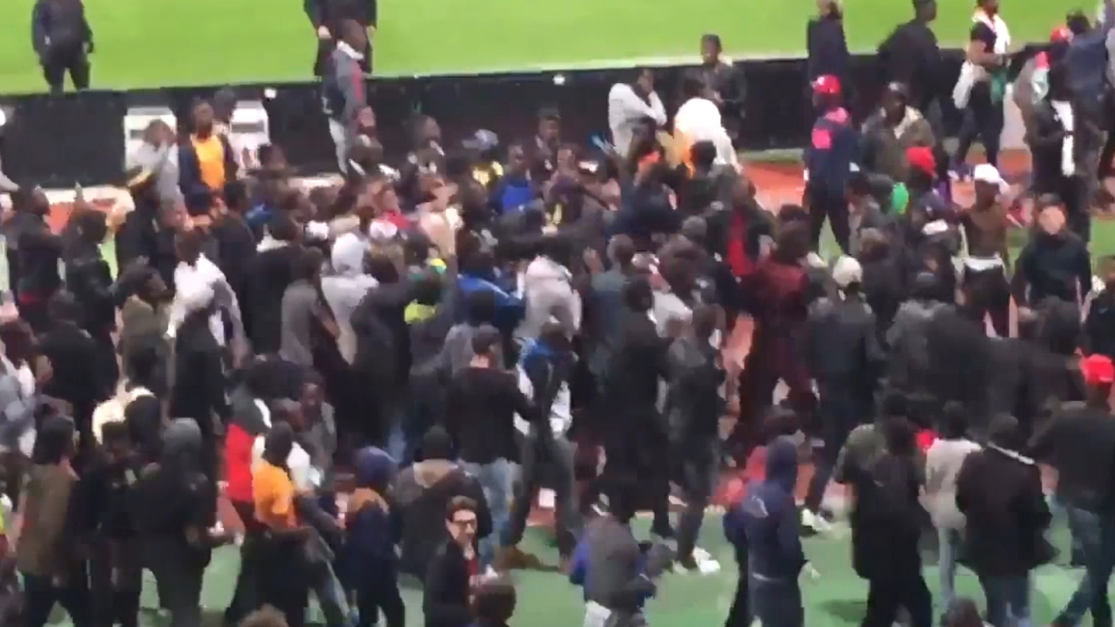 Fans invade pitch halting friendly match between Senegal and Ivory Coast