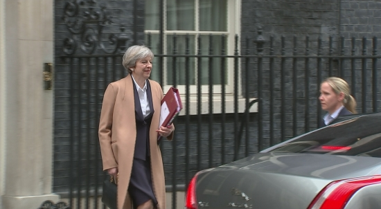 PM May leaves Number 10 to deliver Brexit speech