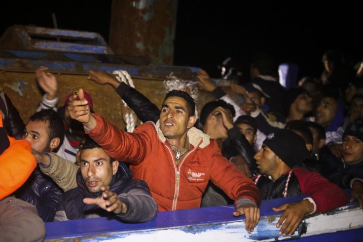 migrants crowded boat 29 March