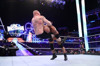Goldberg vs Brock Lesnar