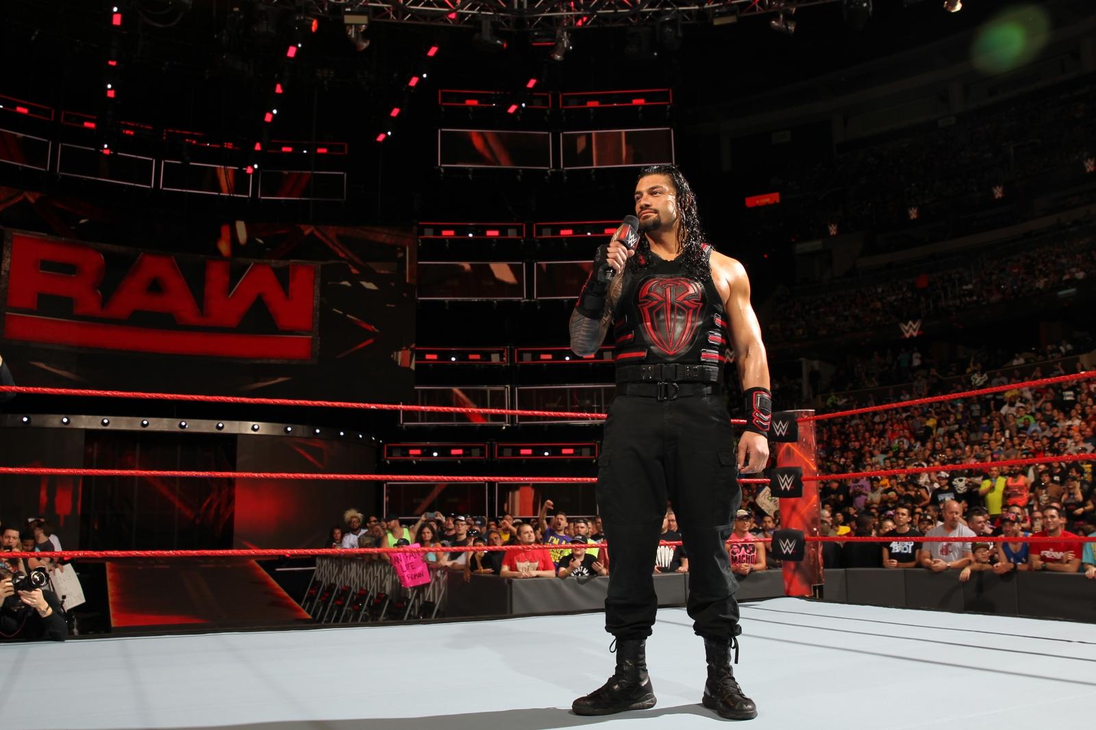 WWE Raw 4 April 2017 Roman Reigns