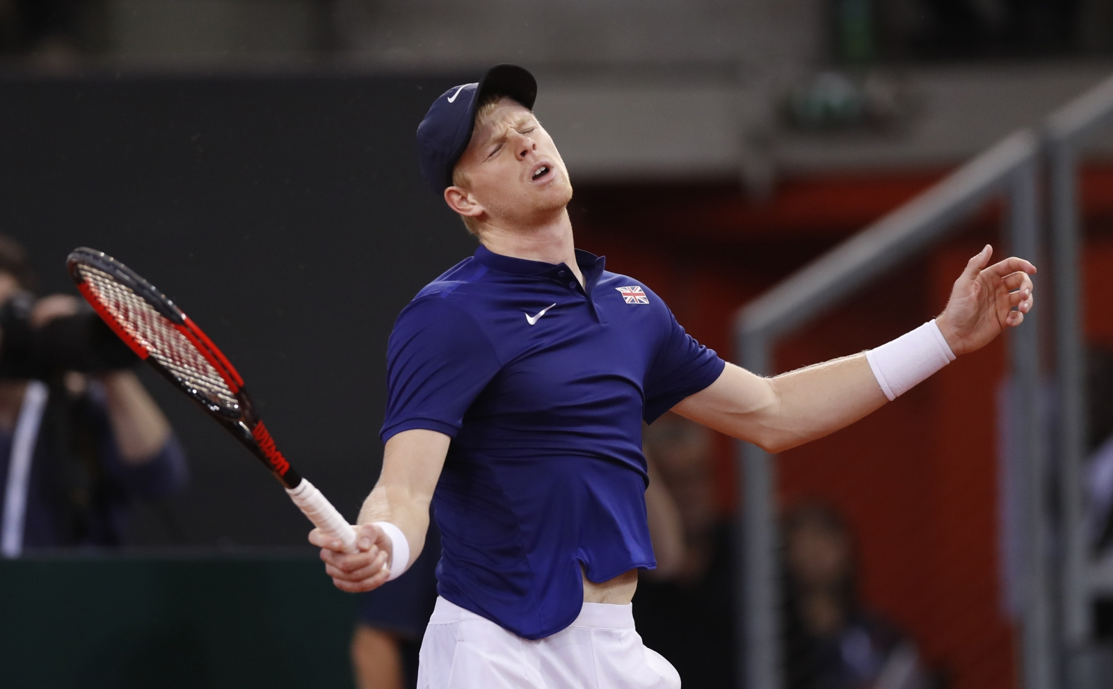 edmund single personals This is the first time there hasn't been a british singles player in the second week at wimbledon since 2007  second set: edmund 6-4, 3-5 djokovic.