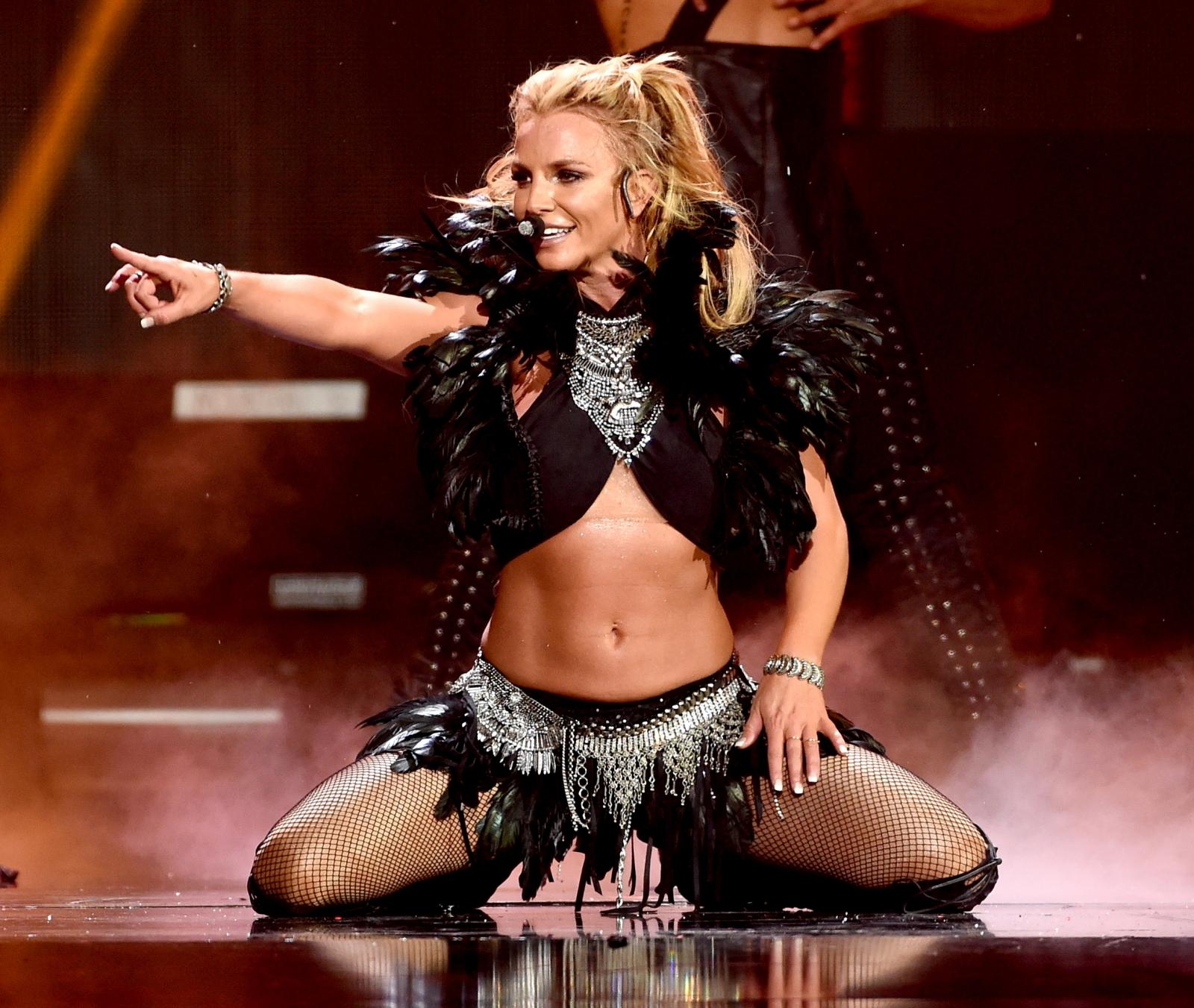 Britney Spears to end Las Vegas residency