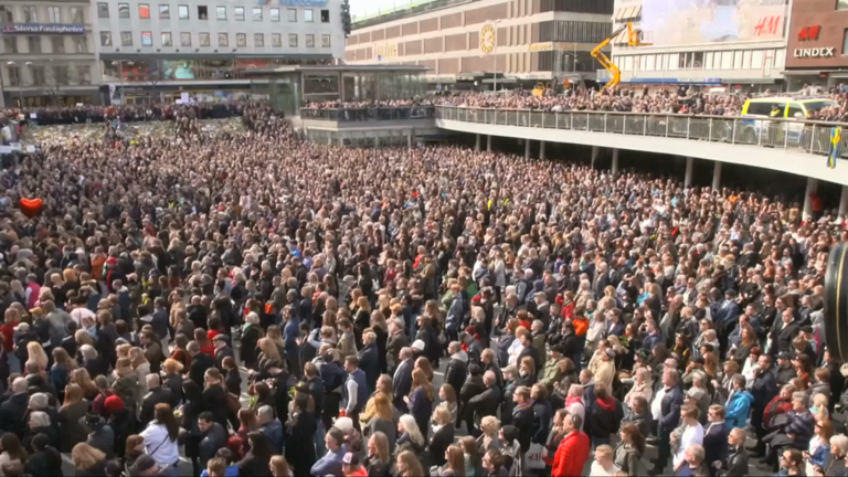 thousands-gather-in-stockholm-to-pay-tribute-to-truck-terror-attack-victims