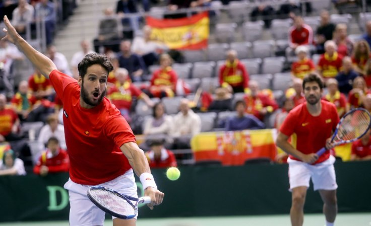 Spain's Feliciano Lopez (L) and Marc Lopez