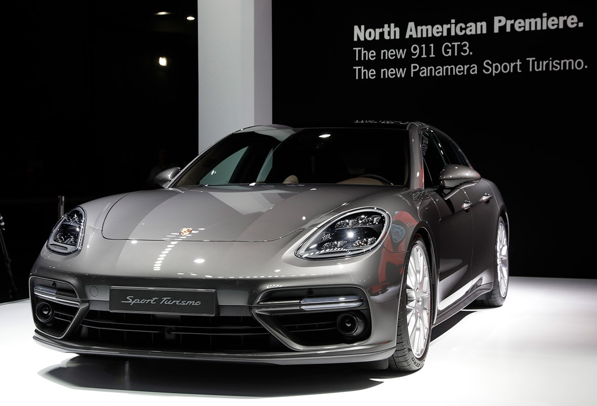New Vehicles 2017 >> New York Auto Show 2017 Photos Of The Hottest Cars And