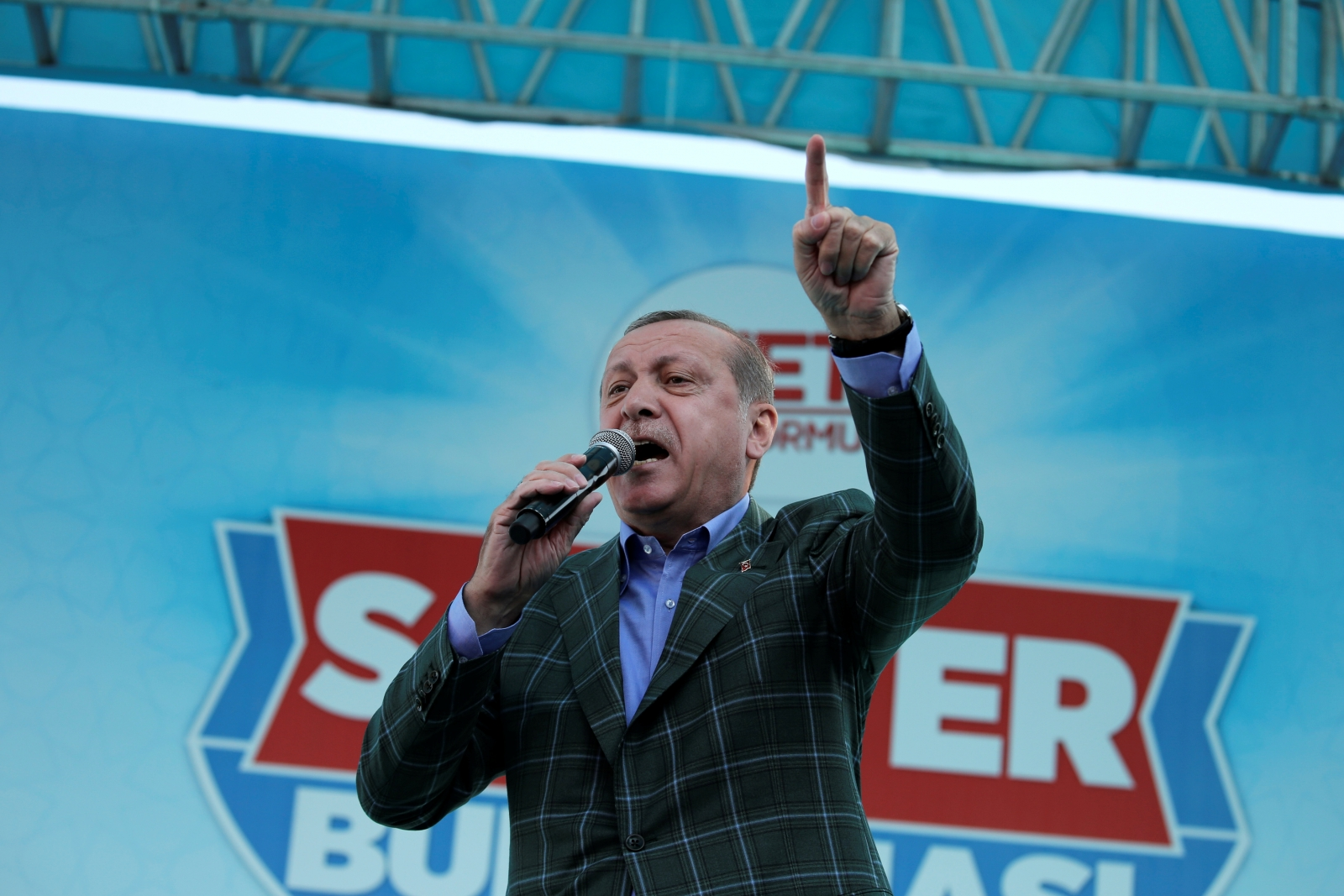 Erdogan hints at referendum on Turkey's European Union accession