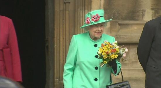 queen-departs-easter-service-at-windsor