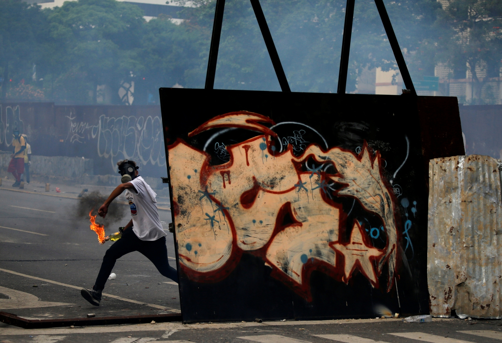 European Union urges Venezuela to 'de-escalate' deadly protest tensions