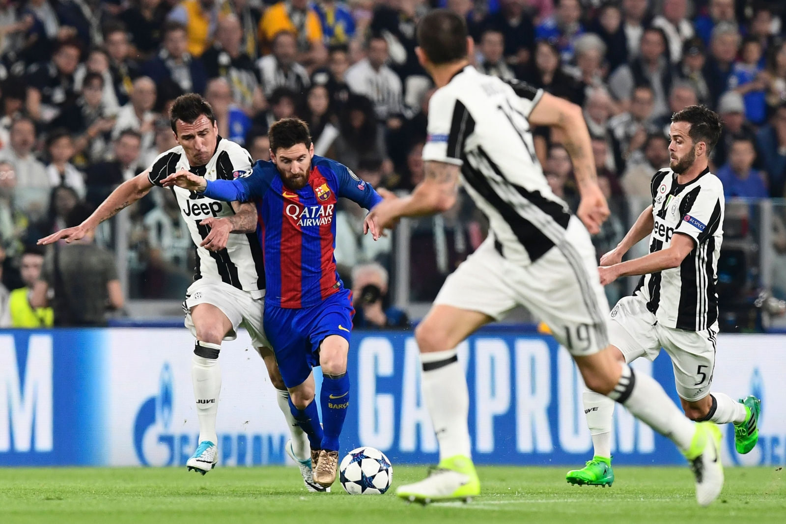Barcelona knocked out of Champions Leauge by Juventus