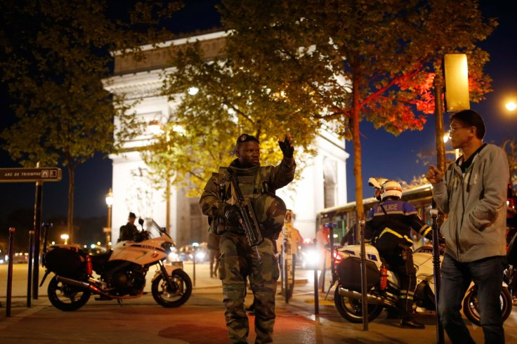 Paris Police: 2 Killed, 1 Wounded In Avenue des Champs-Élysées Shooting