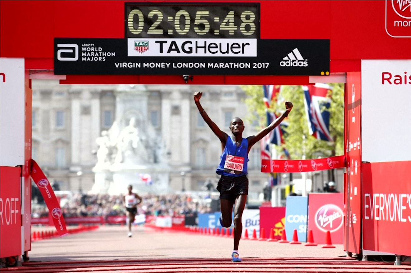 Kenyan Daniel Wanjiru wins London marathon