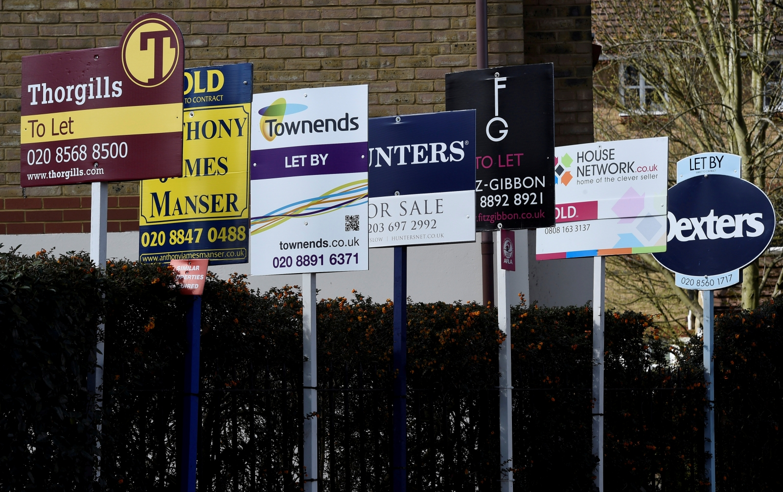 London house prices post biggest annual decline in 8 years in April