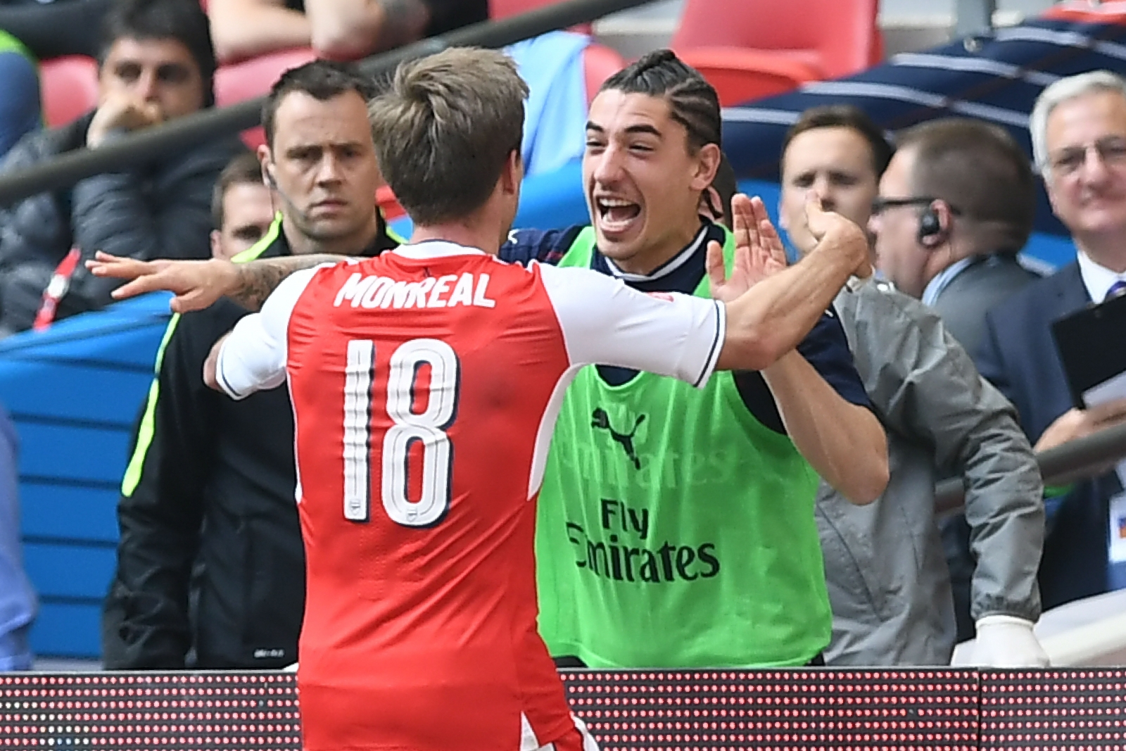 Arsenal knock out Man City to confront Chelsea in FA Cup final