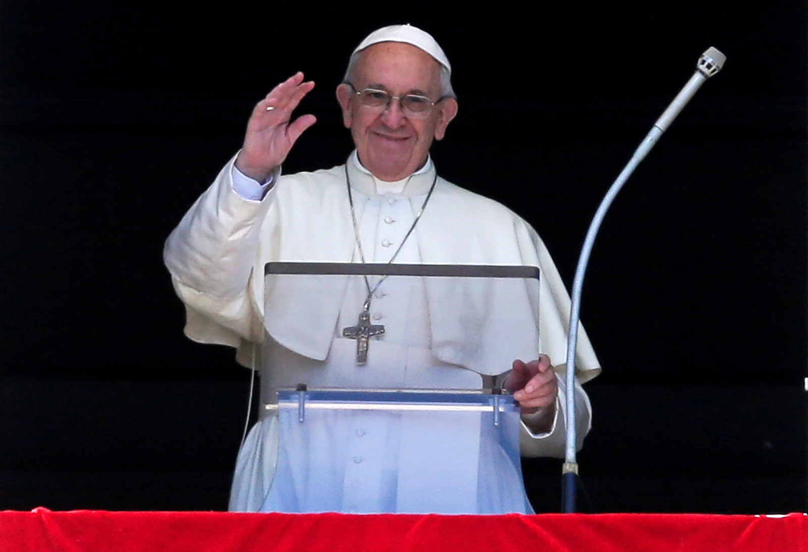 Pope tells Egypt ahead of visit he comes as peace messenger