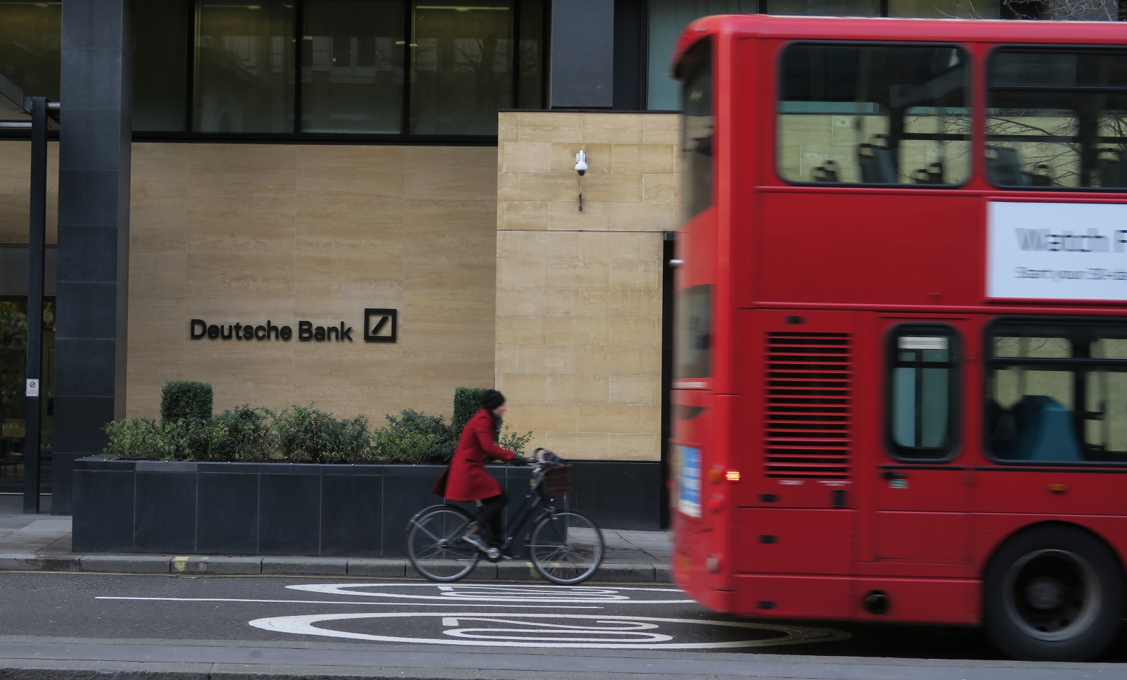 Deutsche Bank Q1 profits rise as legal costs dwindle