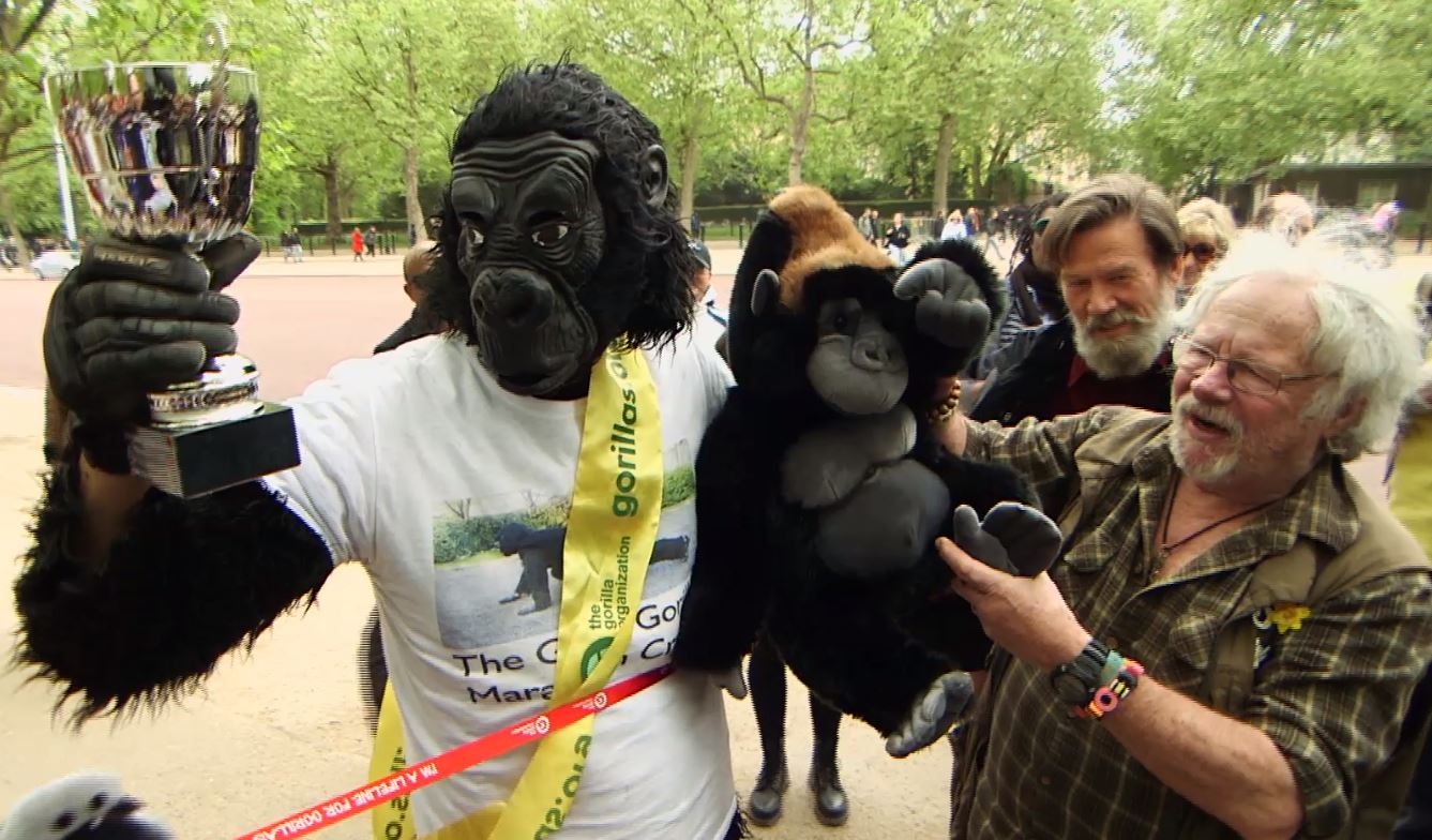 Man dressed as gorilla completes London Marathon