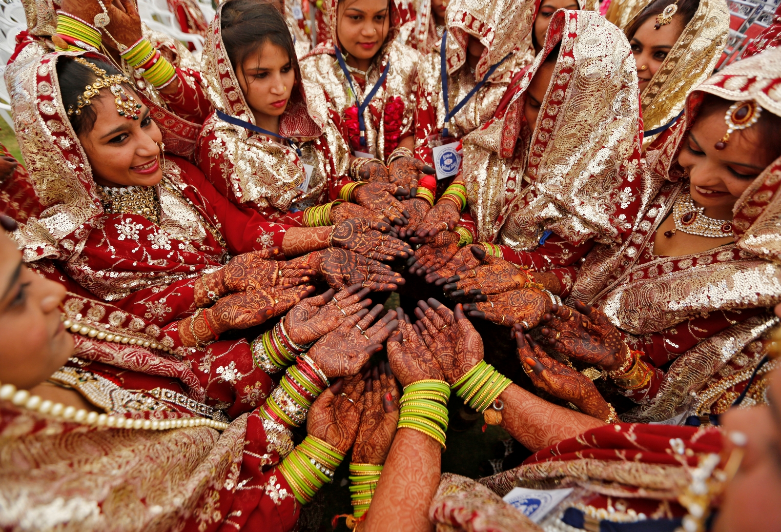 MP Minister Gopal Bhargava gifts brides wooden bats for reforming drunkard husbands