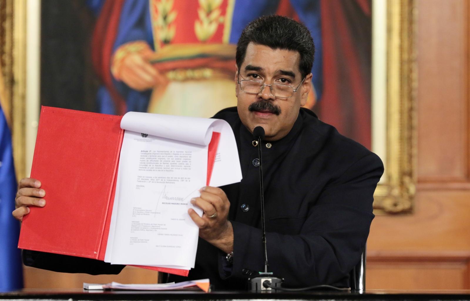Venezuelan President Maduro attempting to rewrite constitution
