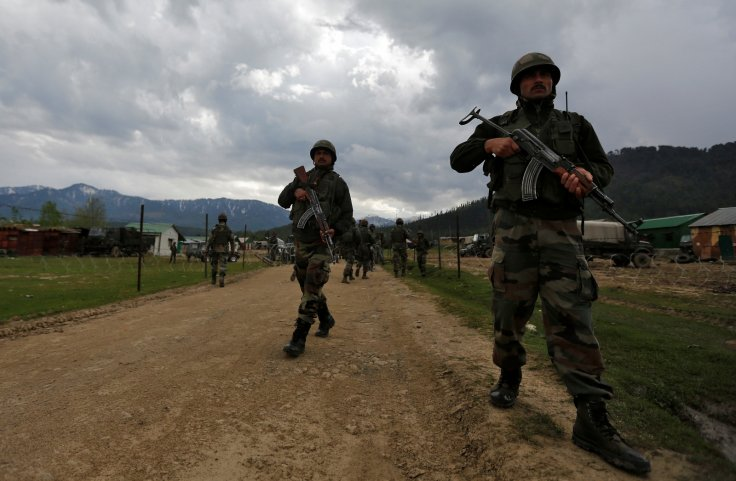 Indian soldiers beheaded Kashmir