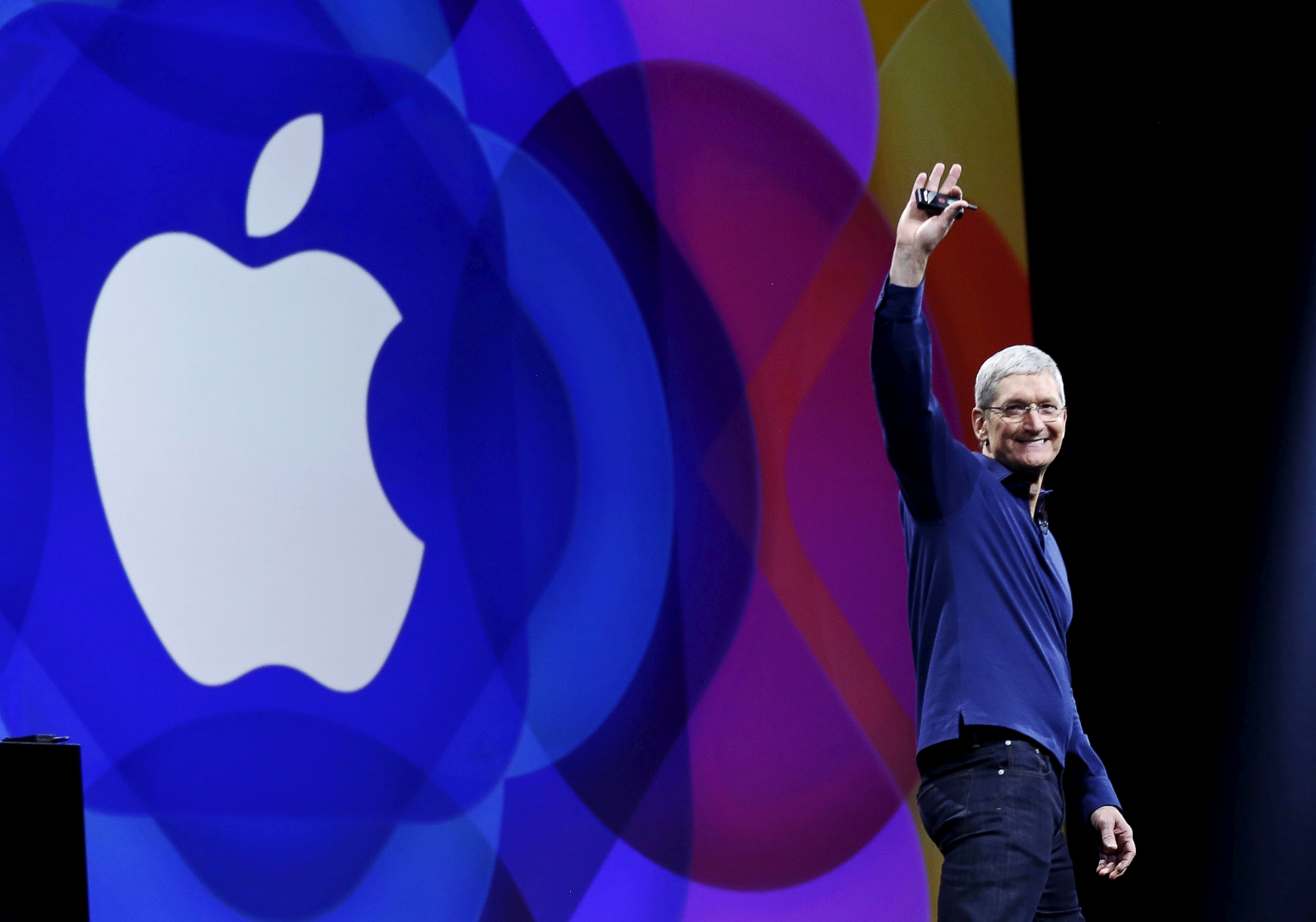 Tim Cook announced $1bn US manufacturing fund
