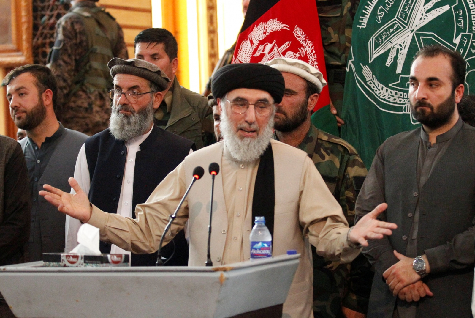 Former warlord joins Afghan president in call for peace