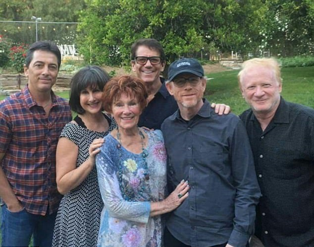Scott Baio reunites with Happy Days cast at memorial ...