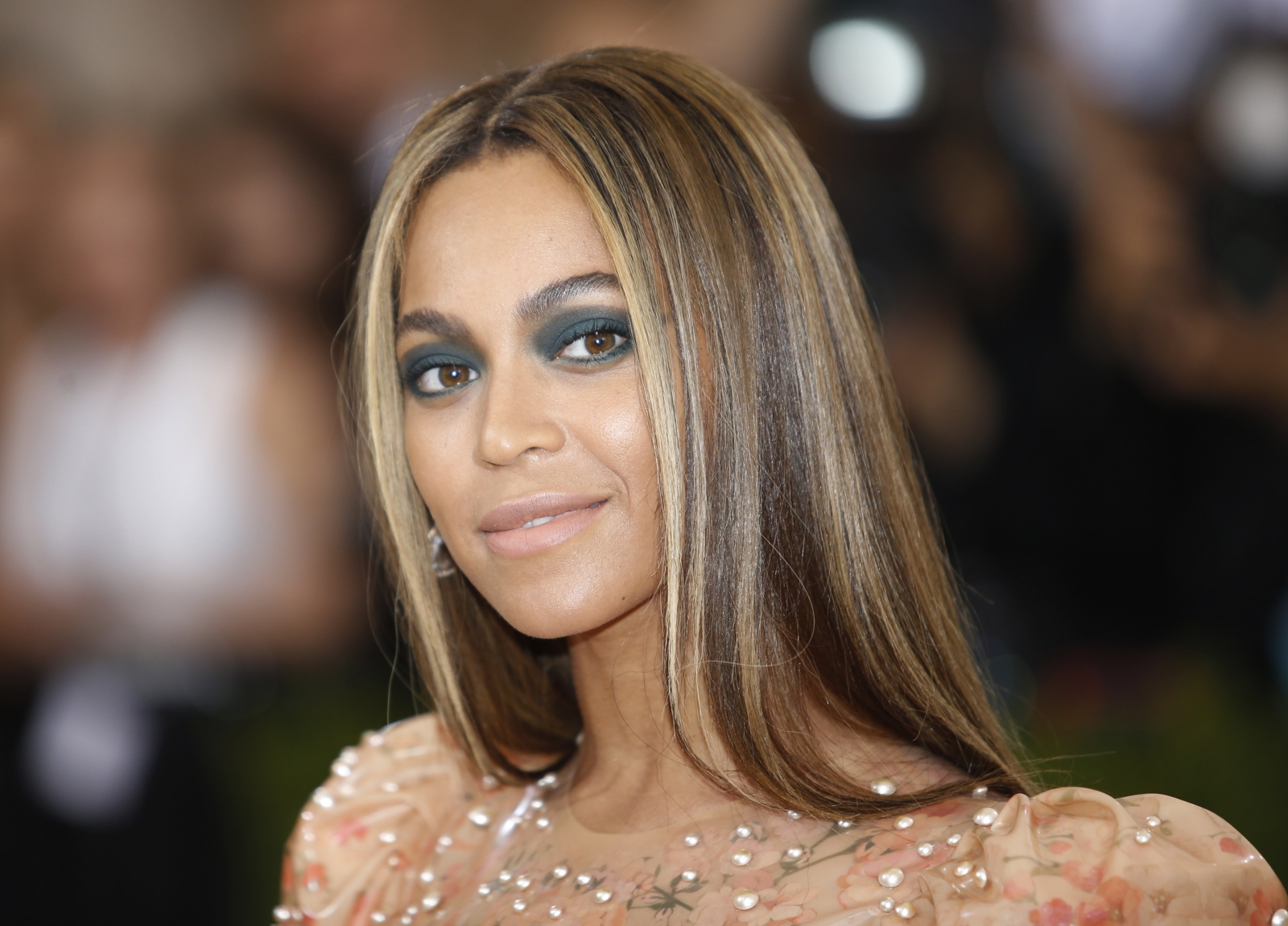 Beyonce rep slams lip injection claims: 'You are the ... Beyonce