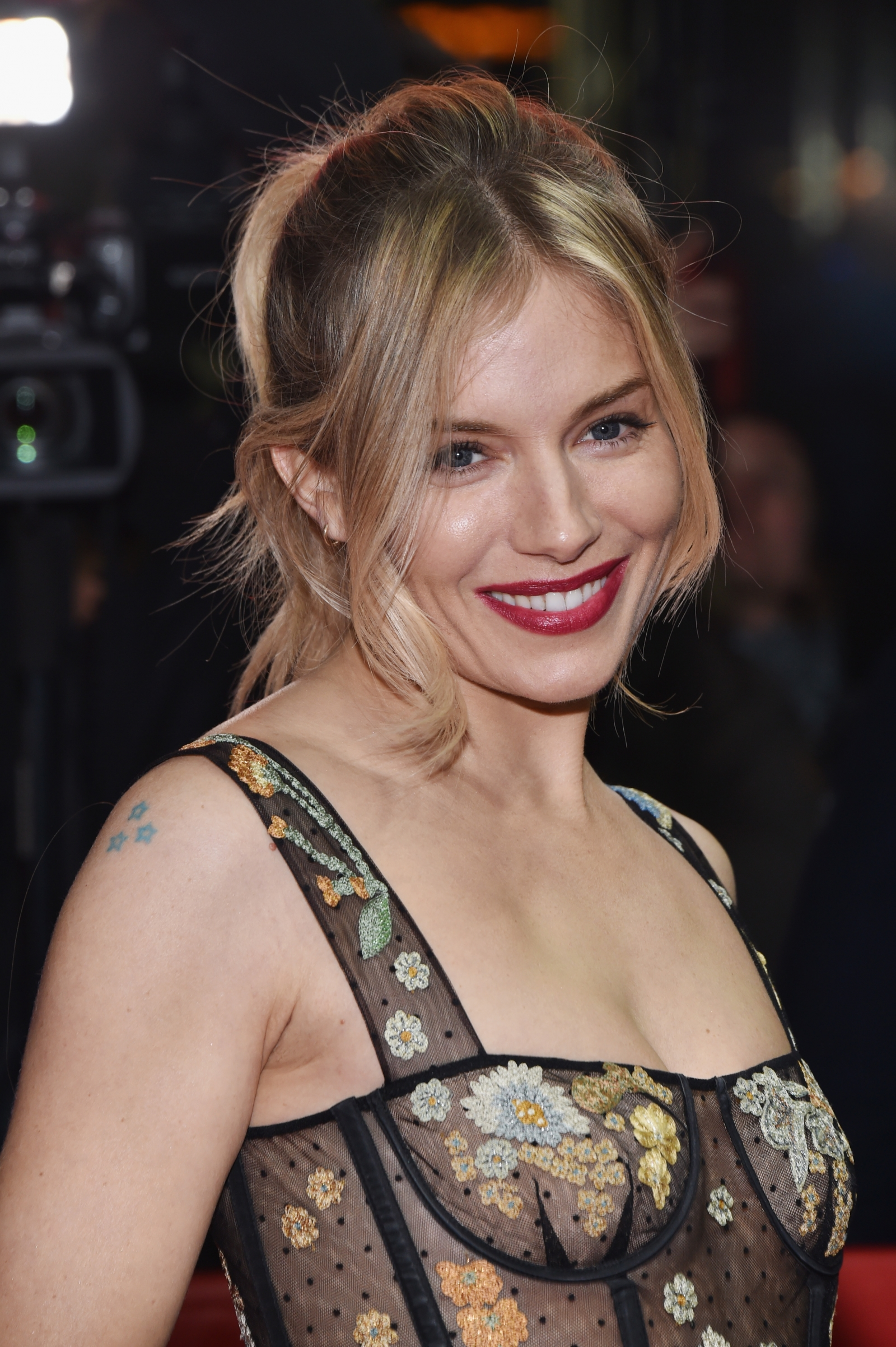 Sienna Miller Nude Photos 106