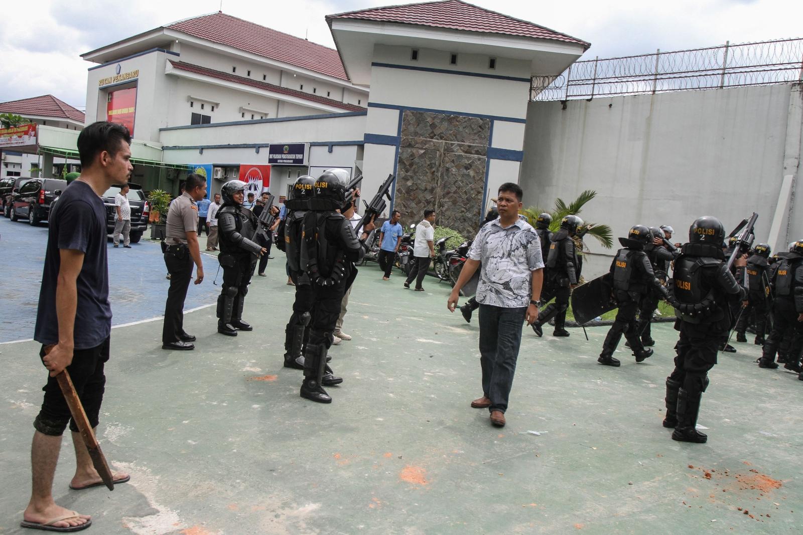 Indonesia prison breakout