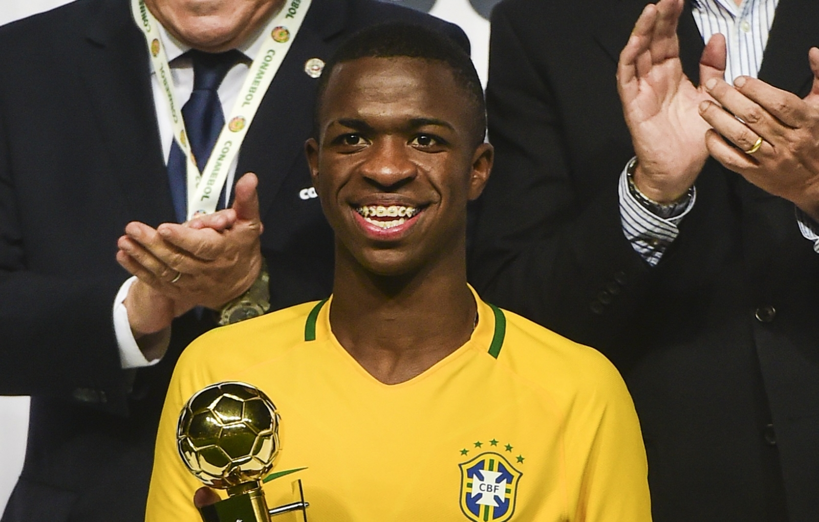 Vinicius Junior set to sign for Los Blancos