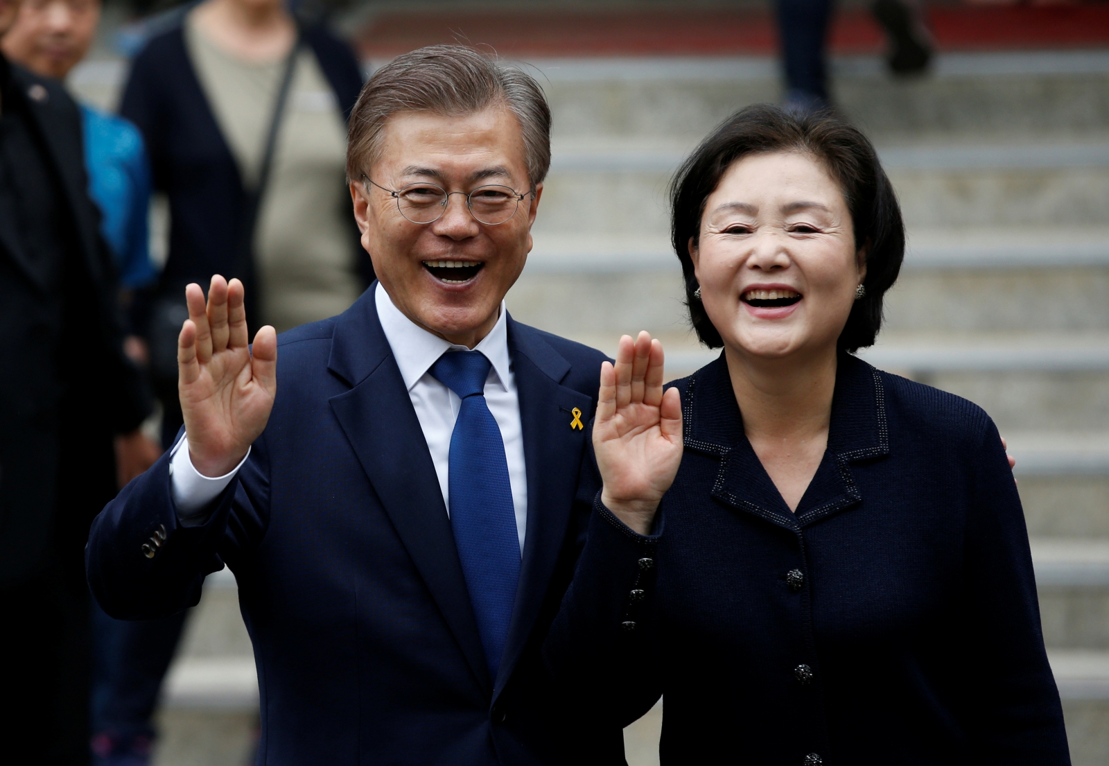 New S. Korean leader scraps plan for state history books