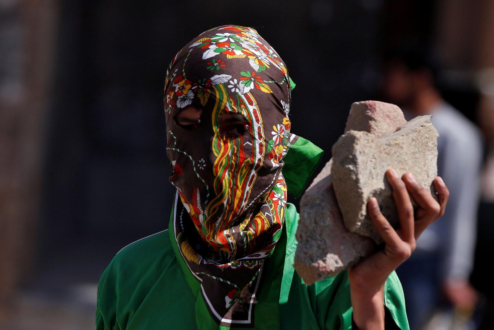 Indian Kashmir under Ramadan curfew after rebel leader's killing
