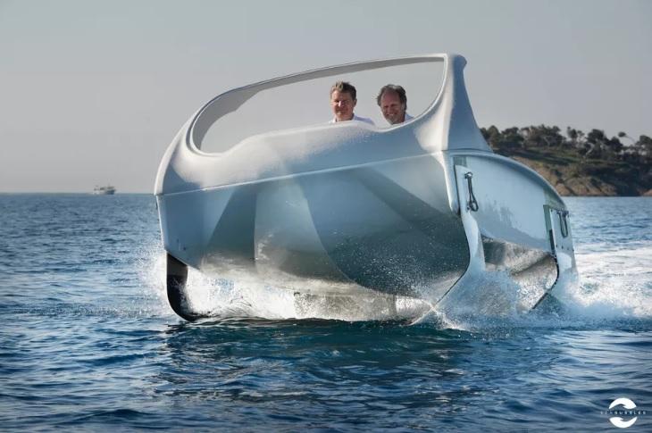 SeaBubbles prototype boat
