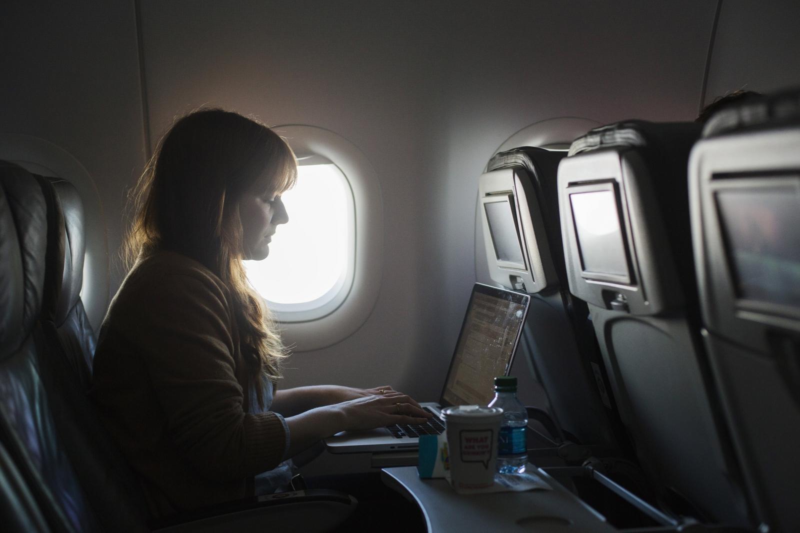 US to ban laptops on Europe flights