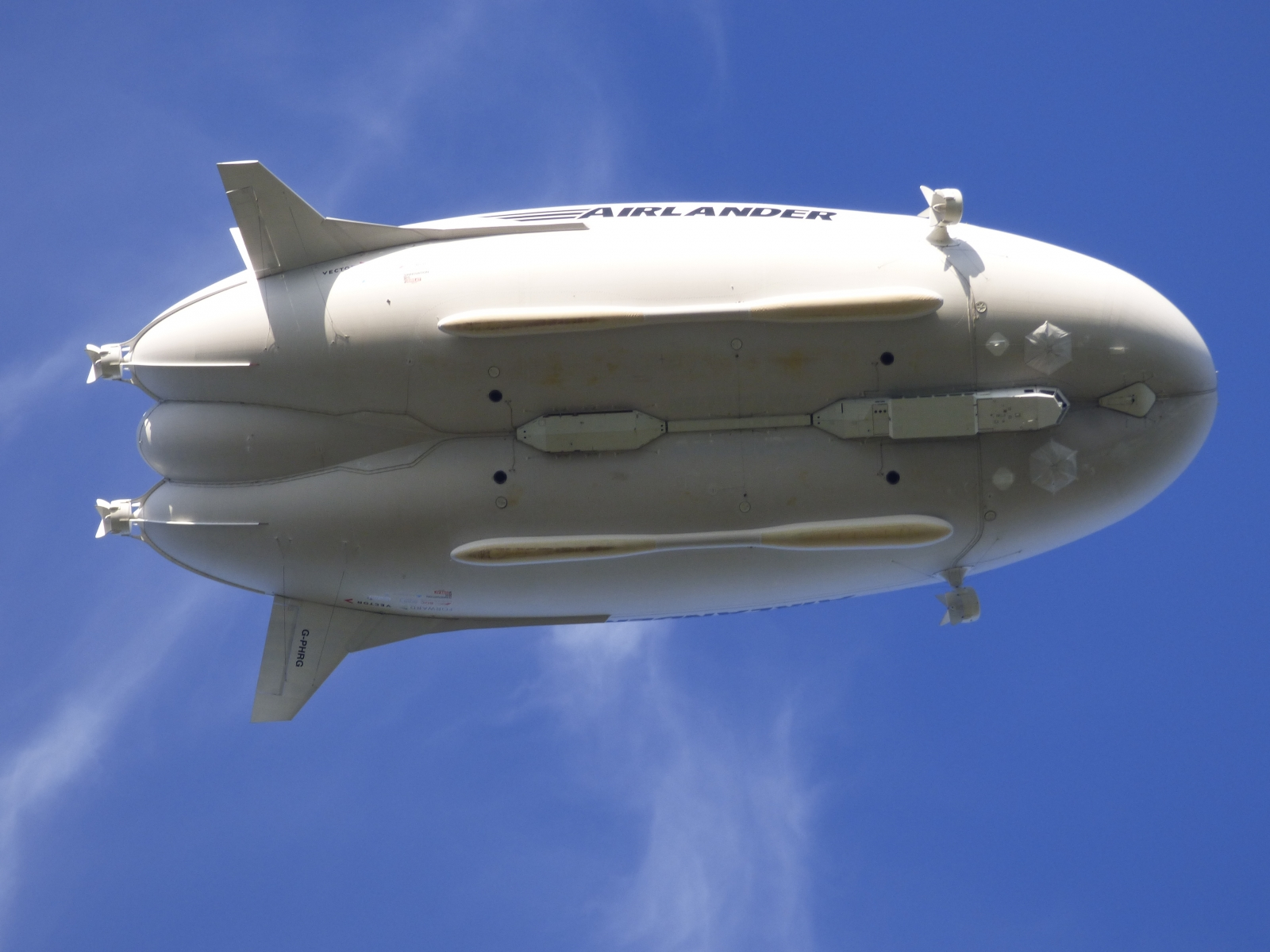 Airlander 10 from below