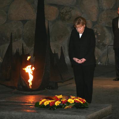 Merkel Yad Vashem wreath