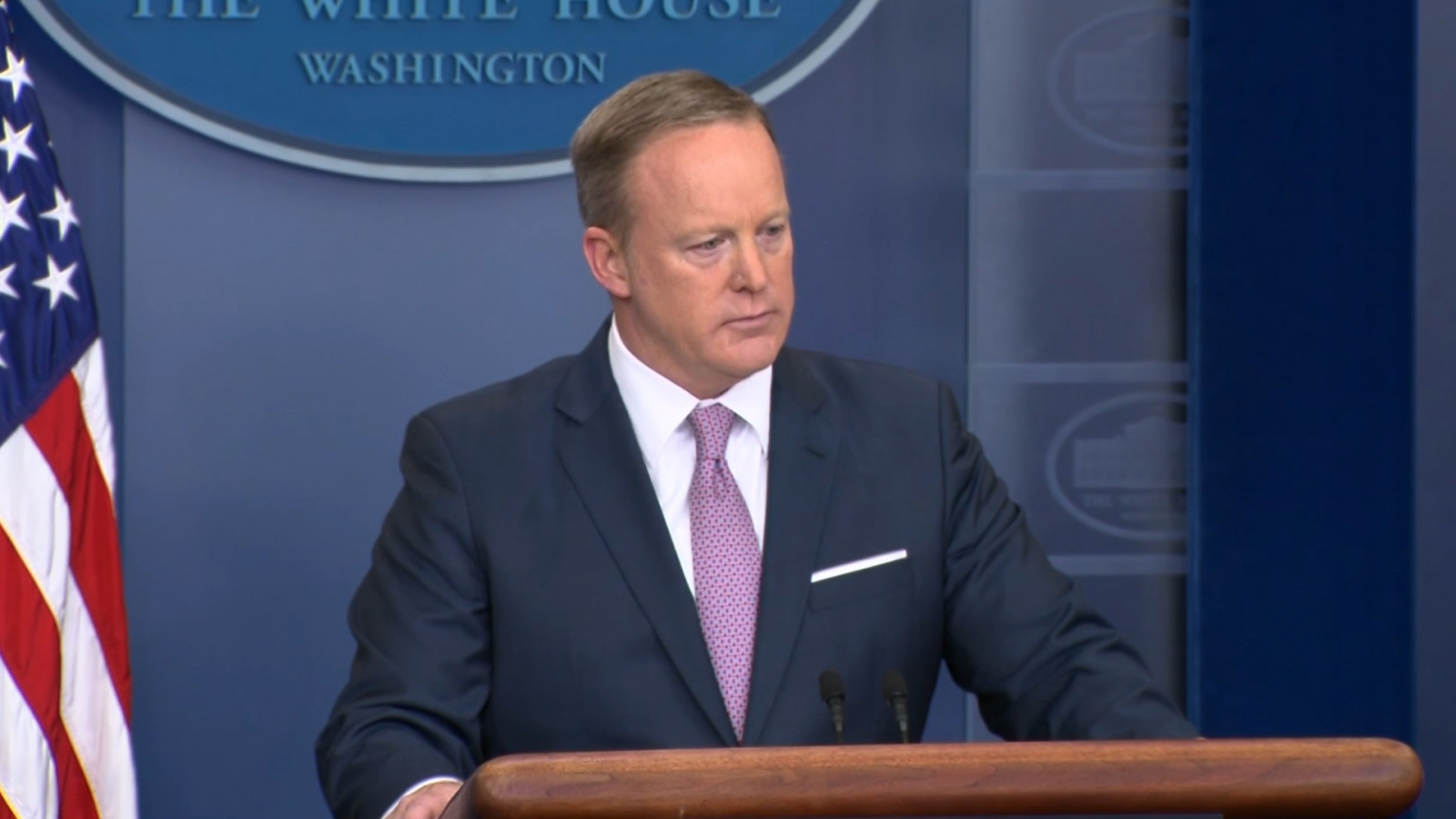 sean-spicer-ignores-questions-on-possible-recording-of-white-house-conversations