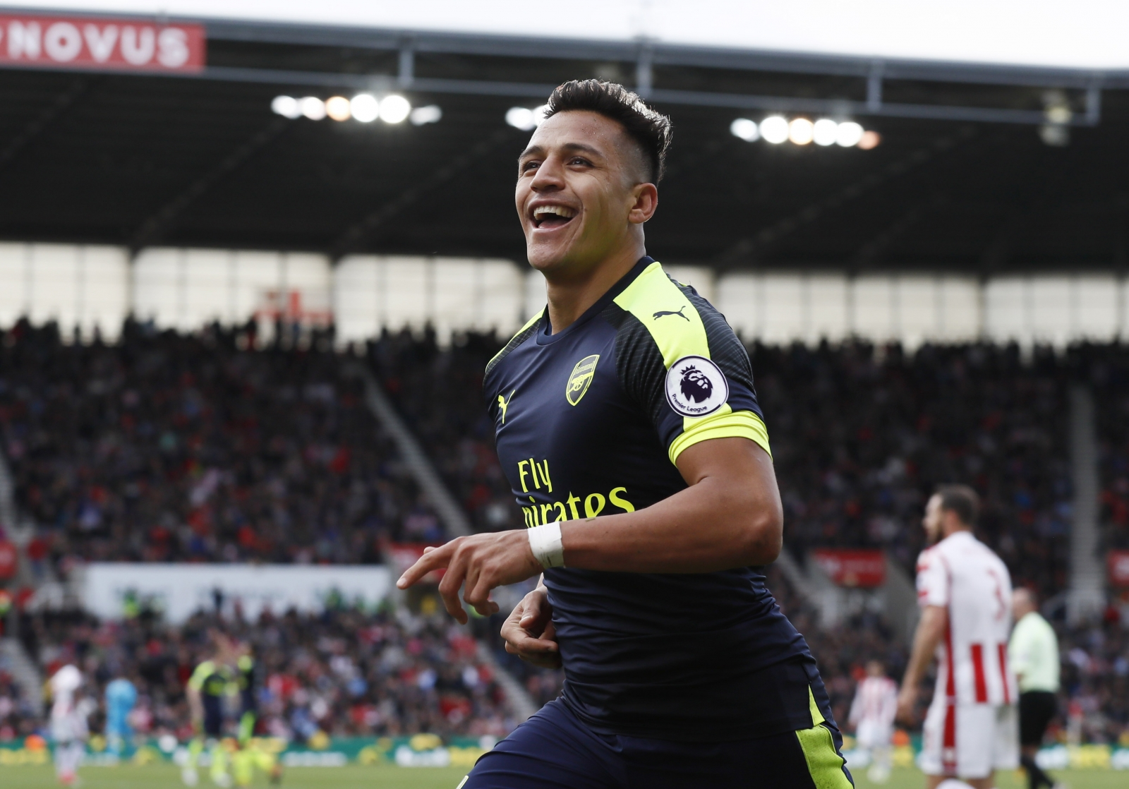 Arsenal 2-0 Sunderland: Watch highlights as Alexis Sanchez scores twice