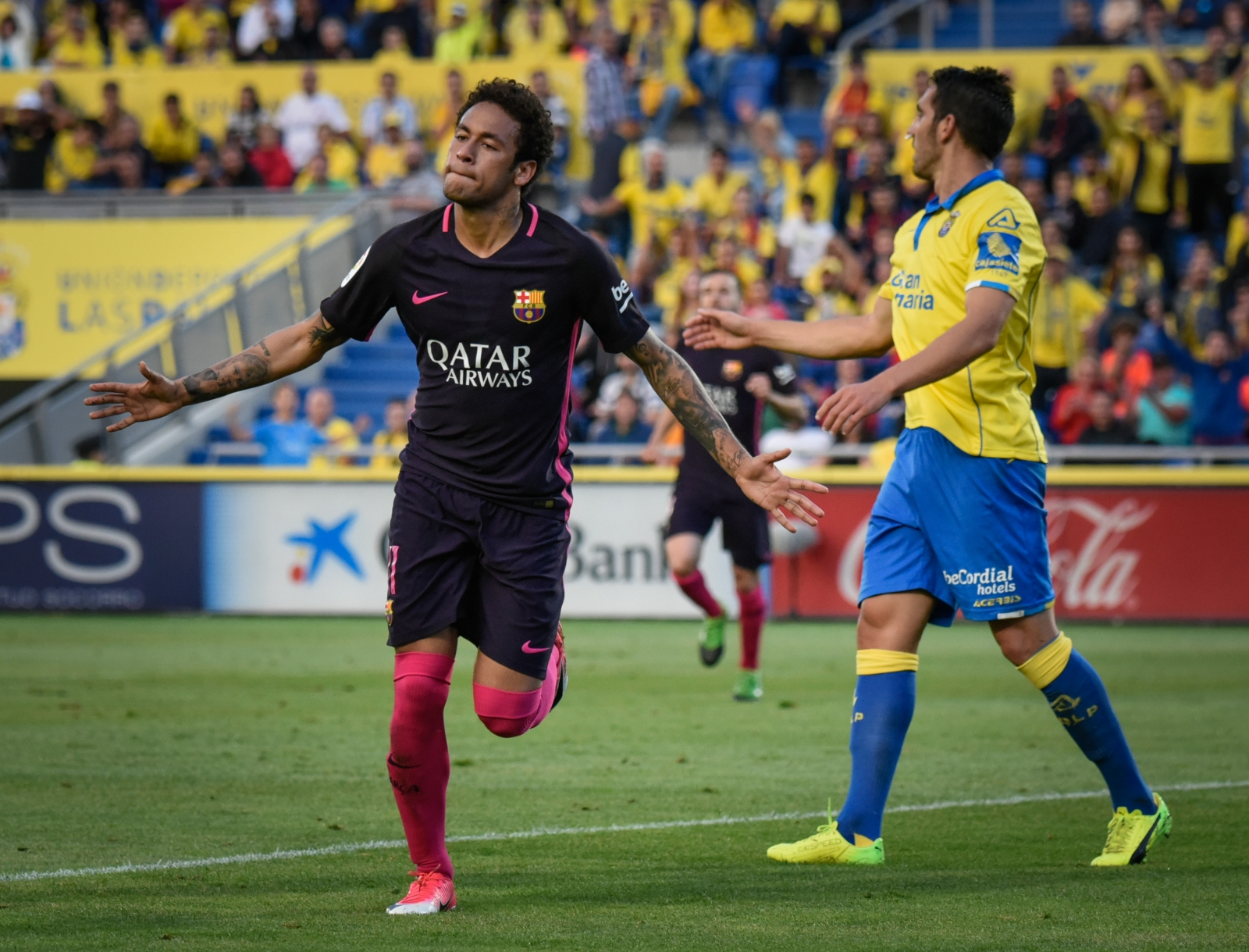 La Liga to file complaint against PSG over Neymar approach