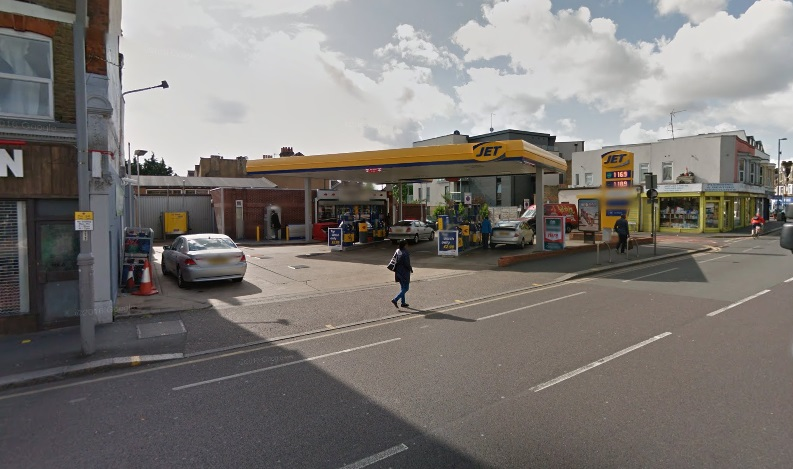 Girl, 6, in auto  stolen and heading towards Chadwell Heath found safe