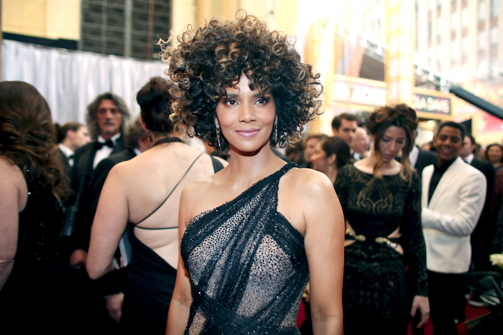 Halle Berry Bares All In Instagram Post Ill Tell You -1405
