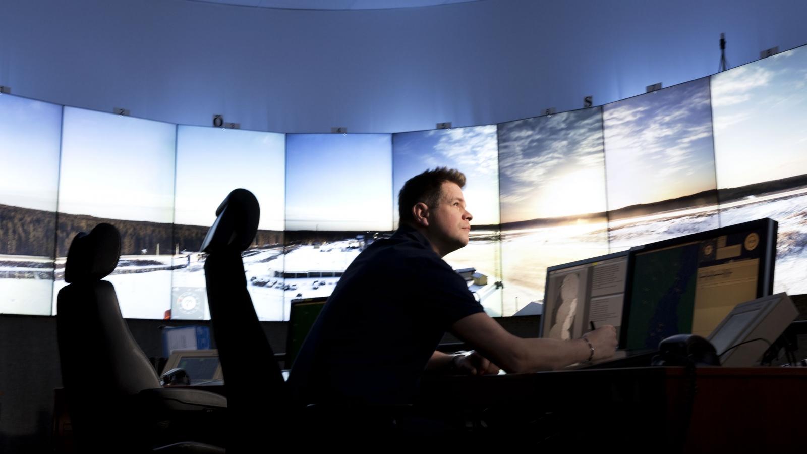 Digital control tower