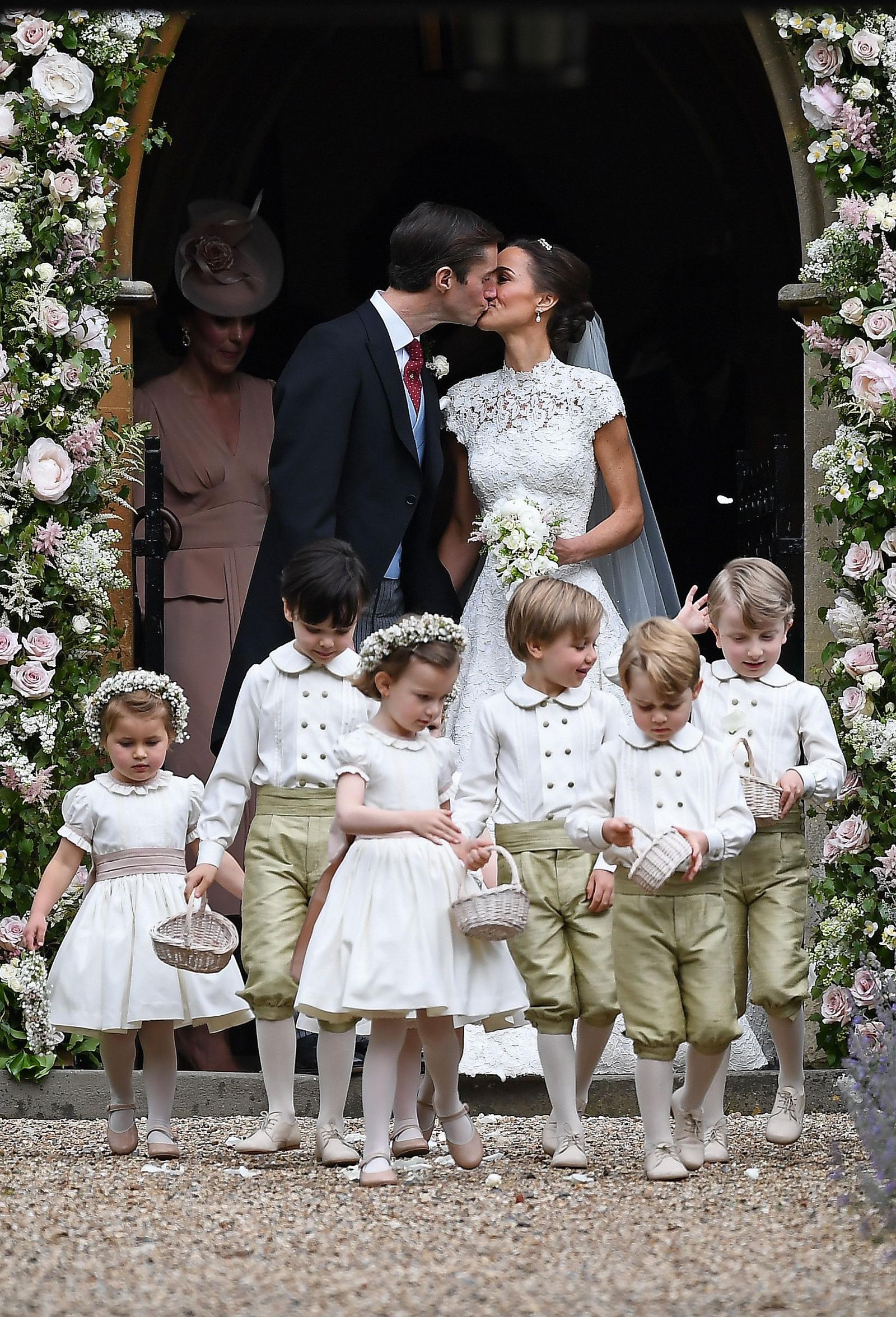 Matrimonio In Spanish : Pippa middleton marries james matthews the wedding live