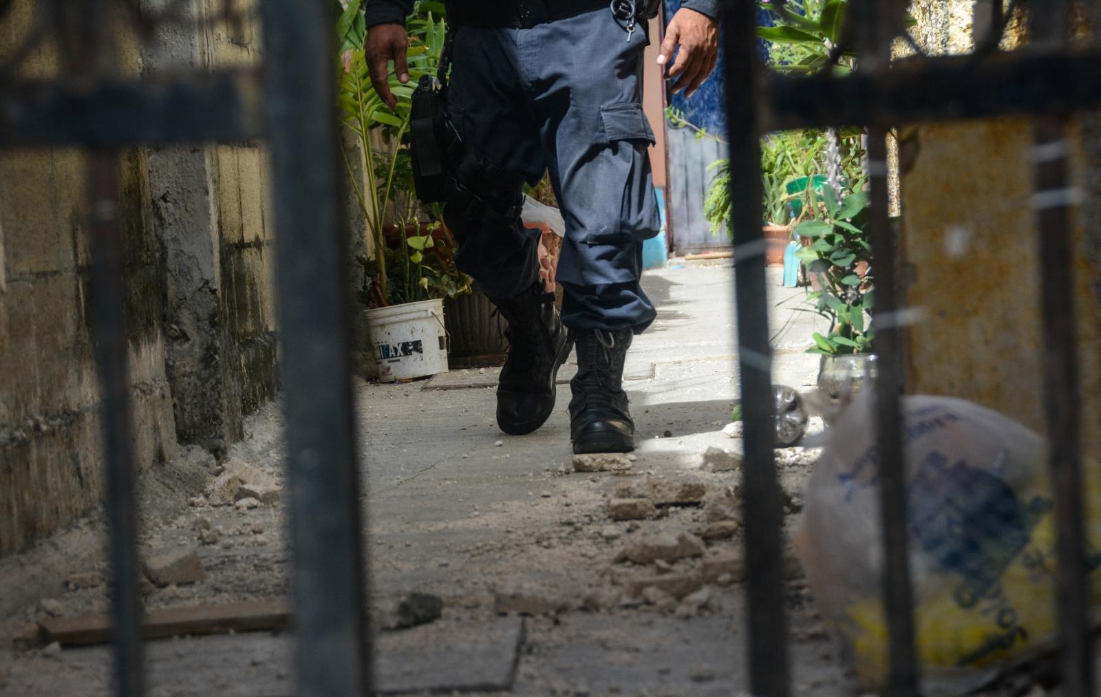 Mexican mob attacks Russian man
