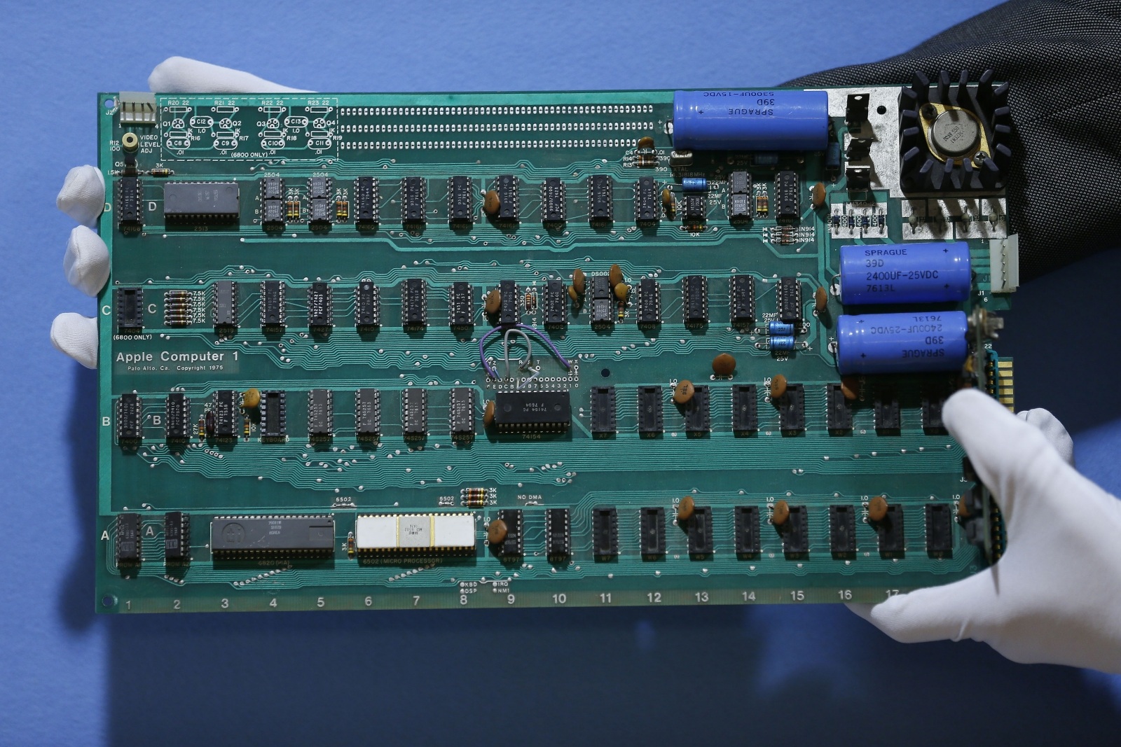 Apple-1 computer auctioned at less than expected
